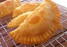 Delicious Little Cheese Pies! (Pitarakia Milou) Greek Cheese Pie, Cheese Pastry, Cheese Pies, Crepes, Pastry Recipes, Cooking Recipes, Snacks Recipes, Gf Recipes, Vegetarian Recipes
