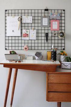 Tendência decorativa forte por aí, o mesh board é uma espécie de malha de metal que você pode fazer um mural gracinha e bem variado.