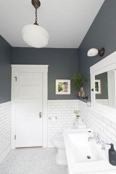Traditional Bathroom 837247386963607491 - The 30 Best Bathroom Colors – Bathroom Paint Color Ideas Best Bathroom Paint Colors, Grey Bathroom Paint, Small Bathroom Colors, Painted Bathrooms, Colorful Bathroom, Gray Paint, White Tile Bathrooms, Colors For Bathroom Walls, Bathroom Subway Tiles