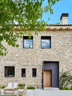 Grande House / Lado Blanco Arquitecturas Completed in 2018 in Madrid, Spain. Images by Carla Capdevila, Grande House is an integral refurbishment of a house located on an estate in Madrid where it is easy to find wild animals that share with the. Architecture Art Design, Architecture Old, Architecture Details, Renovation Facade, Haus Am Hang, Old Stone Houses, Design Exterior, Stone Facade, My House