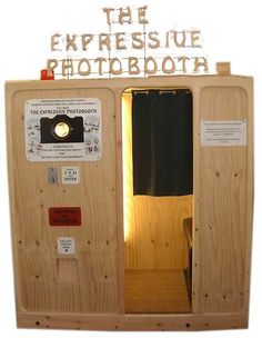 The photobooth with lots of tricks behind the curtains!