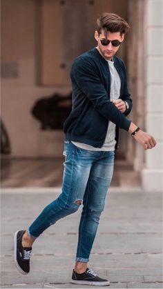 35 perfect casual men outfit for summer men's fashion ideas Mens Fashion Wear, Stylish Mens Fashion, Best Mens Fashion, Dress Fashion, Fashion Outfits, Ripped Jeans Outfit, Ripped Jeans Men, Jeans For Men, Mode Outfits