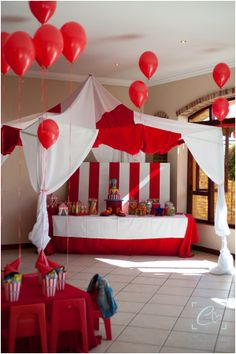 Birthday / Party Stuff 3 on Pinterest  Disco Party, Minnie Mouse and ...
