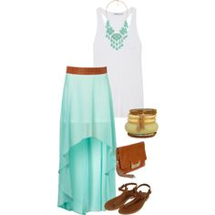 not crazy bout the hi-lo skirt look - but who wouldnt feel like a beach goddess in this outfit?!?