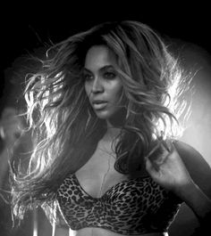 beyonce. enough said!!!! she's just as pretty with no makeup on. Diva