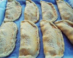 Υπέροχες χορταστικές χρυσαφένιες τυρόπιτες κουρού - Χρυσές Συνταγές Cyprus Food, Bread, Brot, Baking, Breads, Buns