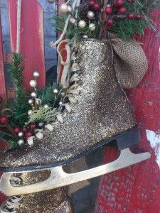 Glittered ice skates are taking over Christmas decor!