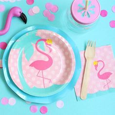 Party like a Flamingo with our preppy Flamingo Plates! They are perfect for pool parties, summer party or garden parties. They coordinate with our Flamingo Na