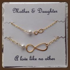 Mother Daughter Infinity Necklace Set - Gold Infinity Necklaces - Set of 2 Matching Necklaces for Mom and Baby Girl with Personalized Card