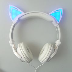 LED Katzen Ohr Kopfhörer The Effective Pictures We Offer You About Cat Accessories costume A quality Cat Ear Headset, Gaming Headset, Cat Headphones, Things To Buy, Stuff To Buy, Cat Things, Organizer, Phone Accessories, Glow