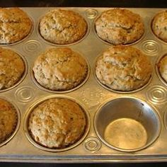 Banana Oat Muffins - Yum! Quick and easy! I used old fashioned oats and added cinnamon and nutmeg. Don't use paper liners if you want them hot and right out of the oven!