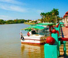 """Palizada Campeche  Palizada es una localidad del estado mexicano de Campeche, cabecera del municipio de Palizada; está localizada al suroeste del estado, en la región de los ríos, cercana a la Laguna de Términos. Palizada fue nombrado """"Pueblo Mágico"""" en 2010. Toponimia Palizada debe su nombre a la gran cantidad de madera tintórea llamada palo de Campeche"""