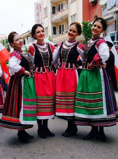 Polish Folk Costumes : Photo Art Costume, Folk Costume, Costumes, Polish Clothing, Folk Clothing, Polish People, Polish Folk Art, People Of The World, Polish Girls