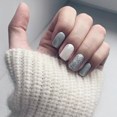74 Lovely Chic Nail Design for the Real Women this Winter Designer nails can definitely make you appear fashionable and chic. Annually lots of unique colours and trends of nail polish come on the market and we girls just run to grab all of them. Chic Nails, Stylish Nails, Trendy Nails, Chic Nail Designs, Winter Nail Designs, Nail Manicure, Nail Polish, Gray Nails, Chrome Nails