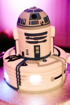 R2 D2 groom cake