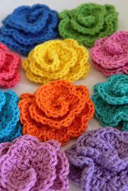 Gratis mönster: Virka Söta babyskor med blomma från Svarta