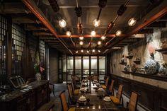 Жюри INSIDE World Festival ofInteriors отдало победу эклектичному ресторану, расположенному под землей, впомещении бункера.