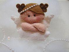 ♥♥♥ Uma anjinha pequenina para o prendedor de chupeta que a Nônô irá usar no dia do seu batizado... by sweetfelt  ideias em feltro