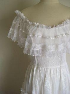 Vintage GUNNE SAX Jessica McClintock off shoulder  Boho Lace Maxi Dress