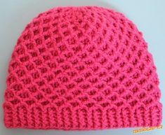 Zimní čepice s plastickým vzorem – NÁVODY NA HÁČKOVÁNÍ