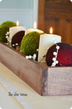 Wooden box centerpiece - 19 Simple and Elegant DIY Christmas Centerpieces