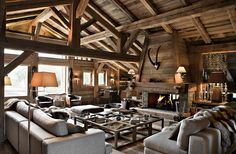 I love chalet and cabin style! It's very cozy and comfy! And chalet living rooms are really special, as they are spacious, warm and so inviting! Chalet Design, Chalet Style, House Design, Ski Chalet, Bar Design, Design Ideas, Gite Rural, Location Chalet, Location Saisonnière
