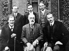 Group photo in front of Clark University Sigmund Freud, Stanley Hall, C.G.Jung; Back row: Abraham A. Brill, Ernest Jones, Sandor Ferenczi
