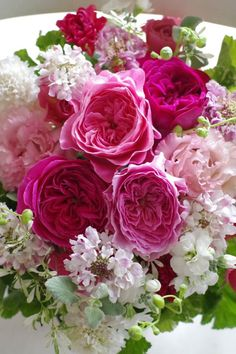 Beautiful Flower Arrangements, Love Flowers, Floral Arrangements, Pink Peonies, Pink Roses, Roses Only, Rose Garden Design, Happy Birthday Flower, Flower Aesthetic