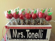 Apple themed cake bites for a special Principal who is leaving the School. #twine and #vinyl from #Pickyourplum. Box from @michaelsstores