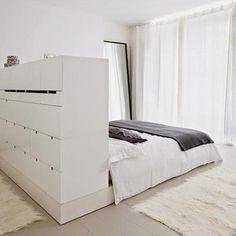 5 ideas para conseguir más espacio de almacenaje en el dormitorio.