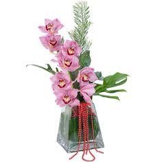 Glass Vase, Flowers, Home Decor, Decoration Home, Room Decor, Florals, Interior Design, Home Interiors, Flower