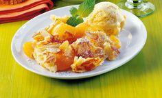 Wachauer Marillen-Schmarrn mit Mandeln und Marilleneis   Knorr Cantaloupe, Potato Salad, Potatoes, Fruit, Breakfast, Ethnic Recipes, Desserts, Food, Kaiserschmarrn