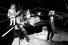 New York Dolls (Arthur Kane, Sylvain Sylvain, Jerry Nolan, Johnny Thunders, David Johansen)