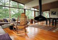 Google Image Result for http://www.hammerarchitects.com/vacationhomes_pages/vacationhomes/B/8_Mid-Century.jpg
