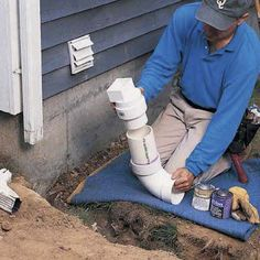 Need to extend your downspout? Connecting downspouts to buried drainpipes can help dry out a wet basement and soggy lawn. Sump Pump Drainage, Gutter Drainage, Backyard Drainage, Landscape Drainage, Backyard Landscaping, Backyard Patio, Backyard Projects, Outdoor Projects, Diy Projects