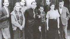 José Chávez Morado, Elena Garro, Octavio Paz, José Mancisidor, Pascual Pla y Beltrán, Fernando Gamboa, Susana Gamboa y Silvestre Revueltas en 1937 en el Teatro Español de la Plaza Santa Ana (Foto: Julio Estrada)