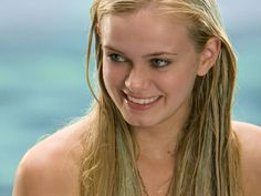 Sara Paxton.   Being gorgeous. ( As aquamarine. Love that movie!)