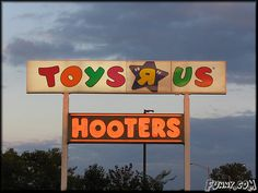 Funny Pictures : toys r us and hooters