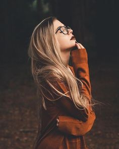 Images and videos of fashion - Moody portrait photography model blond - Portrait Photography Poses, Photo Portrait, Photography Poses Women, Autumn Photography, Creative Photography, Photography Studios, Inspiring Photography, Photography Tutorials, Beauty Photography