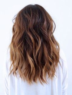 This Hair Trend Is a Must Try- Loose Curls With A Sombre