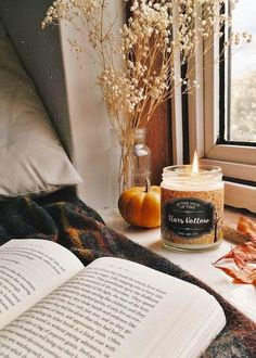5 things to make your room feel cozy | college | dorm | cozy