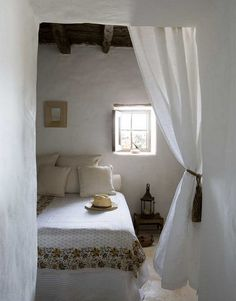 Home Shabby Home: Jordi Canosa - Ingrid House Room, Shabby Home, Interior, Home, Home Bedroom, Cheap Home Decor, House Interior, Bed, Rustic House