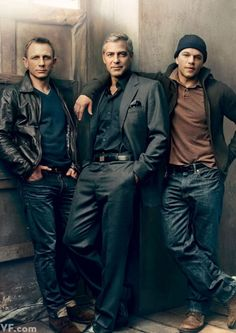 get rid of matt damon and id be in man cake heaven ! Daniel Craig, George Clooney and Matt Damon photographed by Annie Leibovitz for Vanity Fair, Feb George Clooney, Gorgeous Men, Beautiful People, Annie Leibovitz Photography, Annie Leibovitz Photos, Anne Leibovitz, Fair Photography, Brother Photography, Fashion Photography