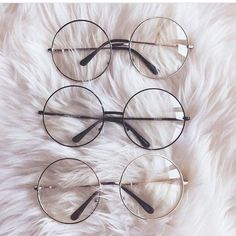 Fake eyeglasses may seem like a perfectly reasonable alternative to buying expensive designer frames. Moreover, these imitation eyeglasses will not do harm to your eyes. Soft Grunge, Cute Sunglasses, Sunglasses Women, Sunnies, Round Sunglasses, Harajuku Mode, Harajuku Fashion, 90s Fashion, Style Fashion