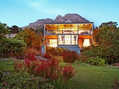 Pelargonium Villa - Pelargonium Villa is set in the scenic valley of Hout Bay, just 25 minutes from the centre of Cape Town.  The Villa has three bedrooms, all with queen-size beds, of which one is en-suite and two share ... #weekendgetaways #houtbay #southafrica