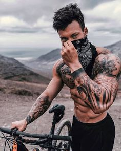Male Model Face, Sexy Tattooed Men, Tatted Men, Street Fighter Characters, Hot Guys Tattoos, Shirtless Hunks, Fitness Photoshoot, Inked Men, Tattoed Girls