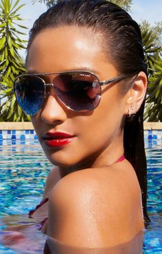 Quay Eyeware Quay Vivienne in Gold as seen on Shay Mitchell White Sunglasses, Mirrored Sunglasses, Sunglasses Women, Sunglasses Storage, Shay Mitchell Style, Hey Gorgeous, Hot Brunette, Woman Crush, Vivienne