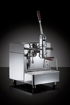 The new L1-P lever espresso machine by LONDINIUM