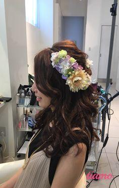 美しい花嫁さまの華やか4スタイル♡リハーサル編 |大人可愛いブライダルヘアメイク『tiamo』の結婚カタログ