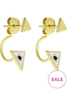 EYLAND JEWELLERY Sigmund Earrings - Gold PlatedSize & FitLength of earring: 2 cm For pierced ears only DetailsSigmund Earrings byEyland 9 ct yellow gold plated brass Double triangle backdrop earringsLower triangle is set in white enamel paint and feature a single black Swarovski stoneFor pierced ears onlyButterfly clasp closure Material 9 ct yellow gold plated brassSwarovski stones